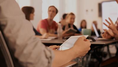 Gratis kurs: Hur tar du dig an de nya digitala kraven i läroplanen?